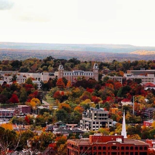 Fayetteville Arkansas: Downtown Fayetteville Arkansas In The Fall Old Main On U