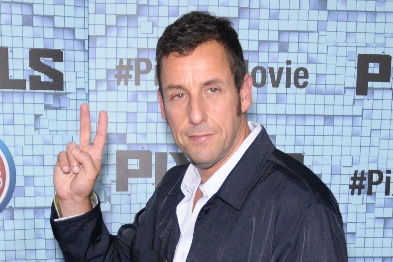 Adam Sandler assume, il aime ses films ! en 2020 Films