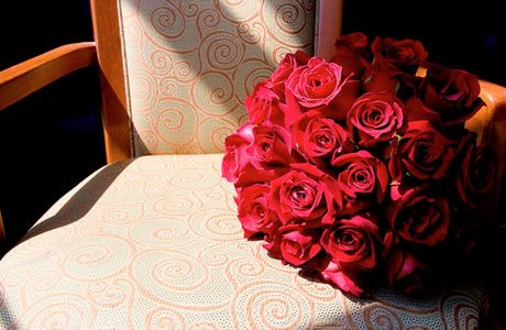 Google Image Result for http://images.dexknows.com/cms/images/Red-rose-bouquet-on-chair-460x300.jpg