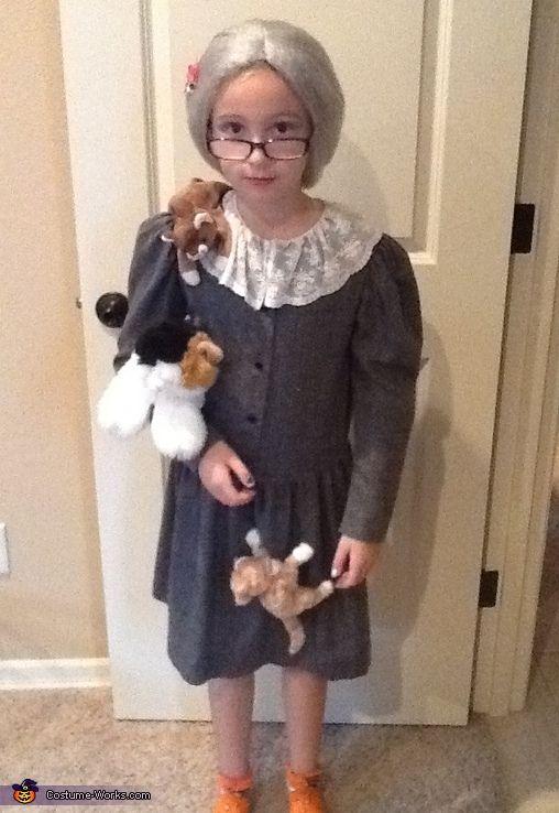 Crazy Cat Lady Costume Crazy cat lady, Cat lady and Halloween - ladies halloween costume ideas