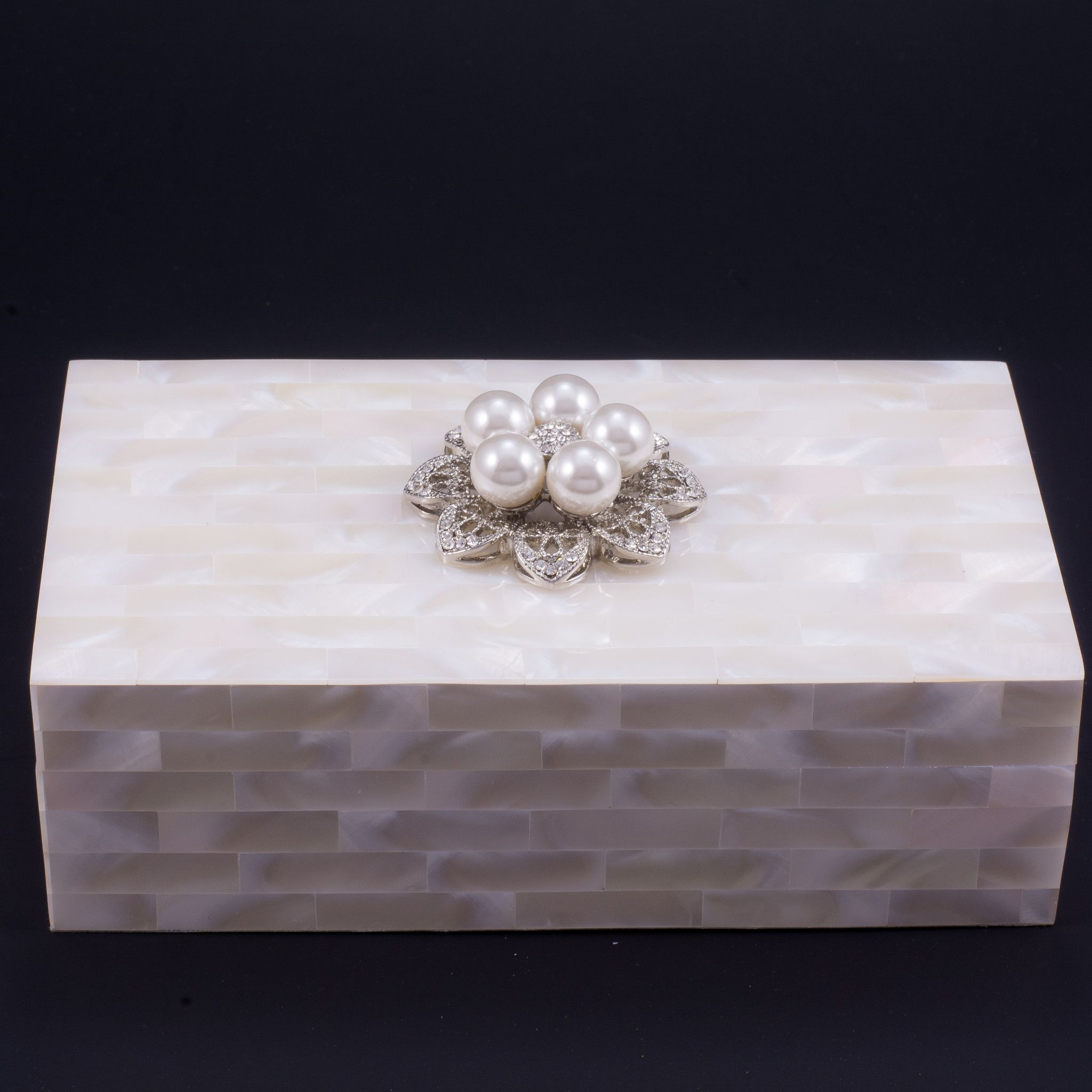 Mother of Pearl Jewelry Box Featuring Swarovski © Crystals and 5 Pearls