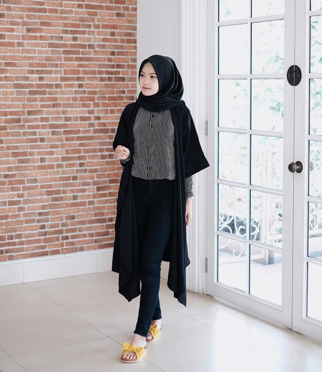 6 051 Likes 33 Comments Sari Endah Pratiwi Saritiw On Instagram Tunic From Hijup Use Code V Hijab Fashion Hijabi Outfits Casual Modern Hijab Fashion