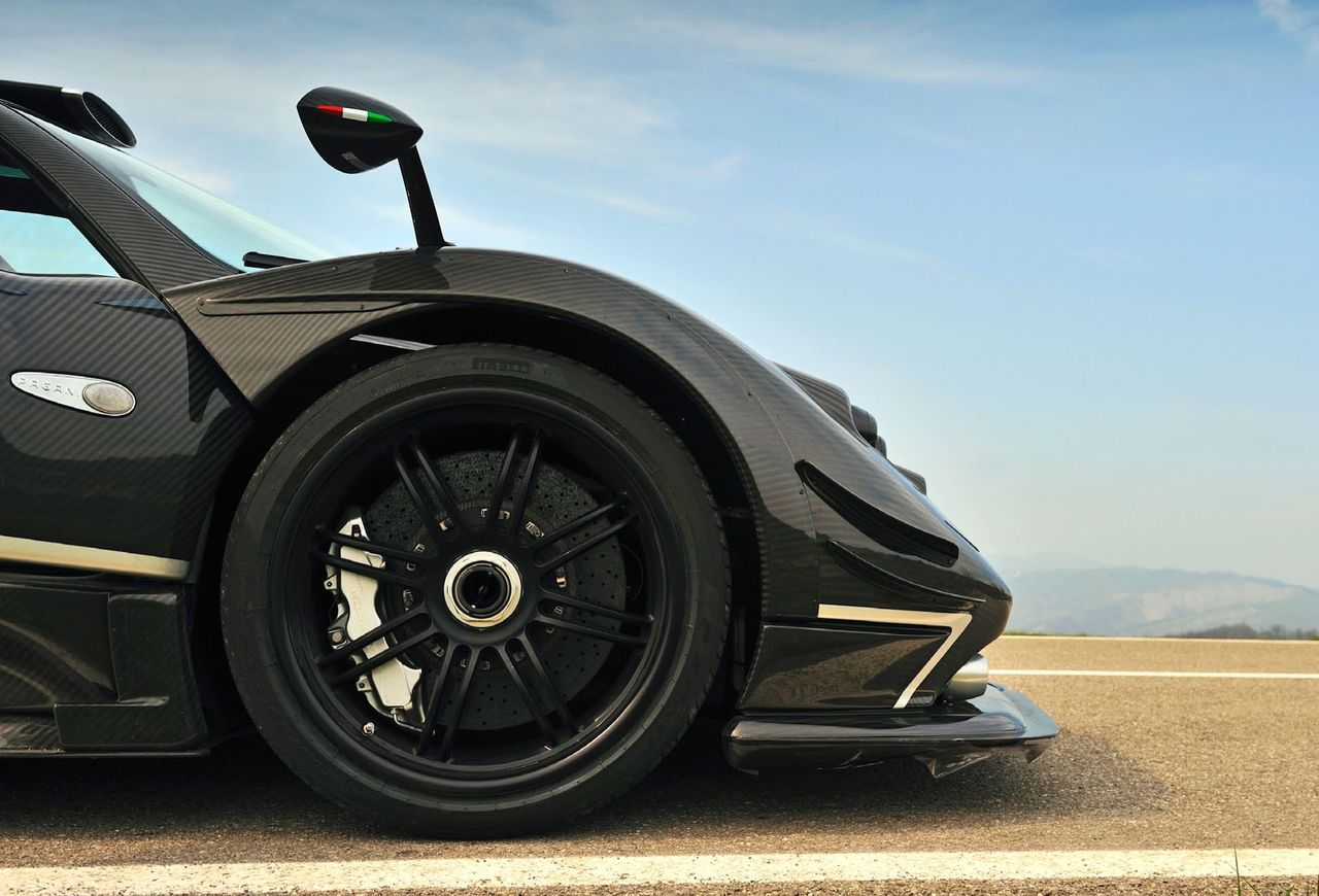carbon fibre zonda 760 rs | awesome carbon fibre cars & motorbikes