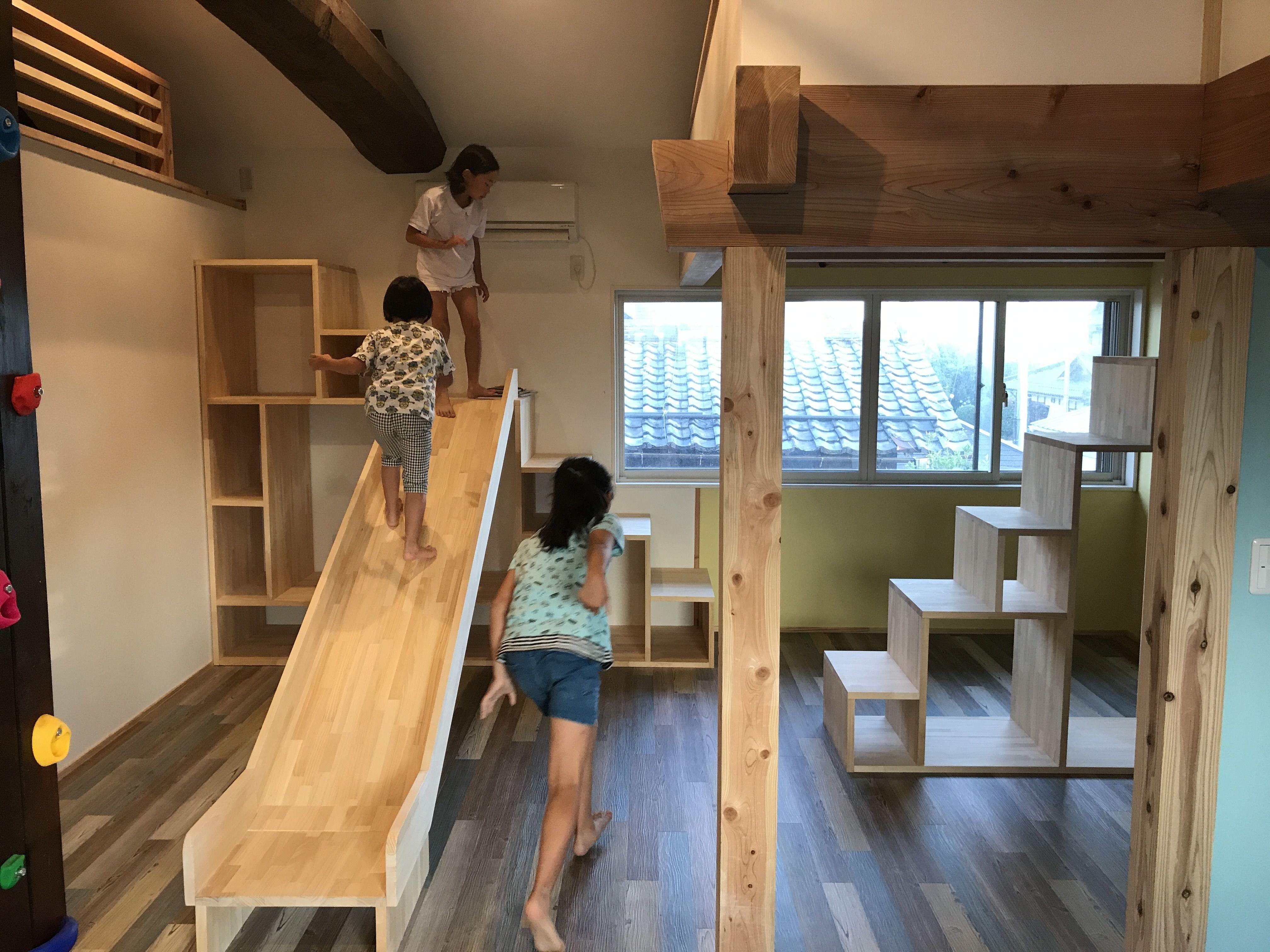 南浜の家 リノベーション設計事例 すべり台のある家の秘密基地のような遊び心