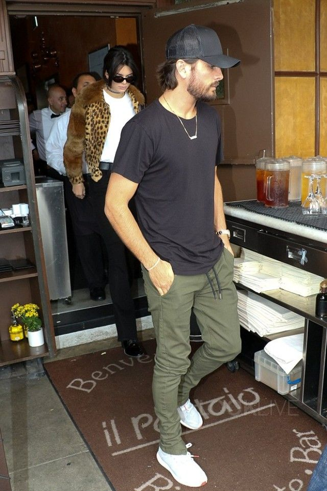 e62d2dea622 Scott Disick - Lunches out with Kendall Jenner on in 2019