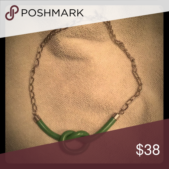 Vintage Celebrity Green Knot Choker Beautiful And Hard To Find Brand Great Condition Jewelry Necklaces