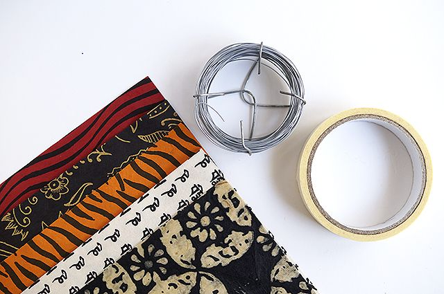 Make bracelets using paper!