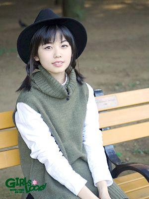洋服が素敵な小芝風花さん