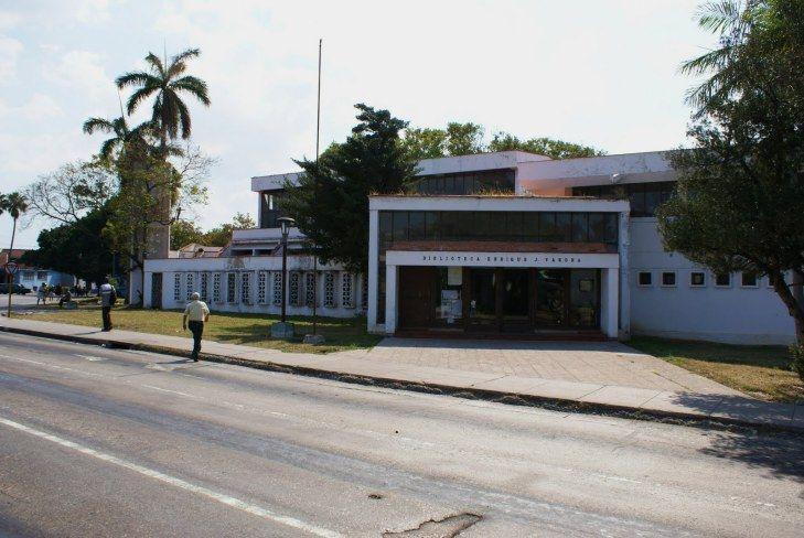 Biblioteca Municipal Enrique José Varona. La Habana,  Cuba #bibliotecasdecuba