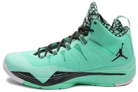 huge discount 458b2 06c14 Amazon.com  Jordan Mens Super Fly 2 Green Glow White Black Spruce  599945-330  Shoes