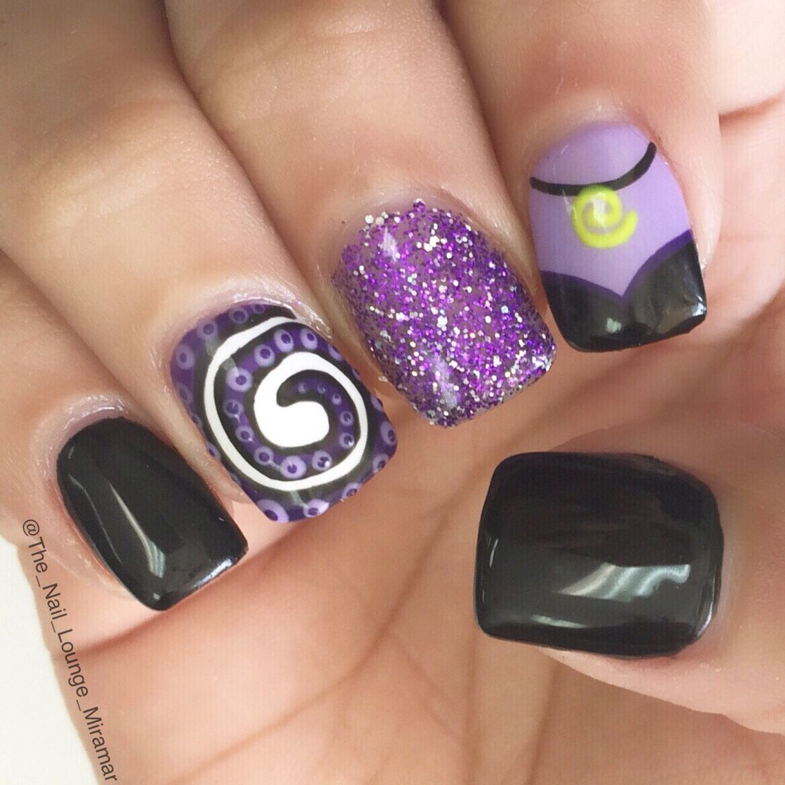Disney\'s Ursula nail art design - Halloween | Pinterest - Nagellak ...