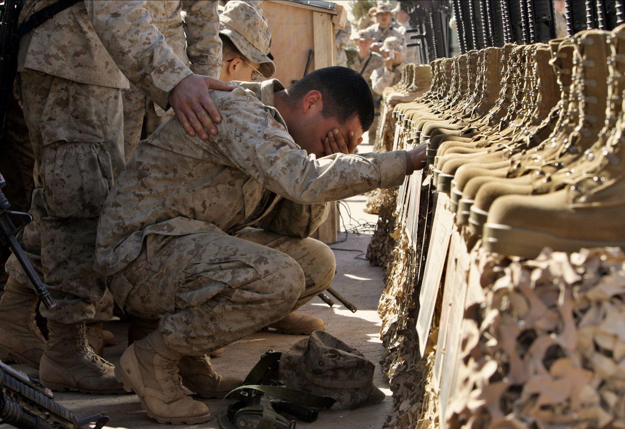 Emotional Military Monday 32 Photos Military Military Photos Photo