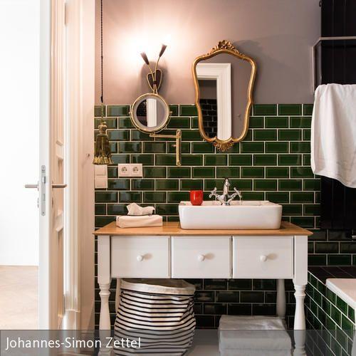 Schöne Bäder Fliesen: Waschtisch Im Badezimmer Der Gorki Apartments