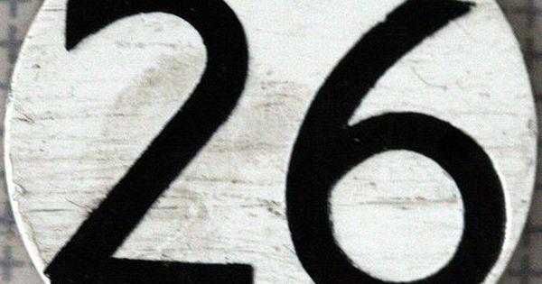 Almanacco - 26 Aprile | Compleanno, Biciclette e LED