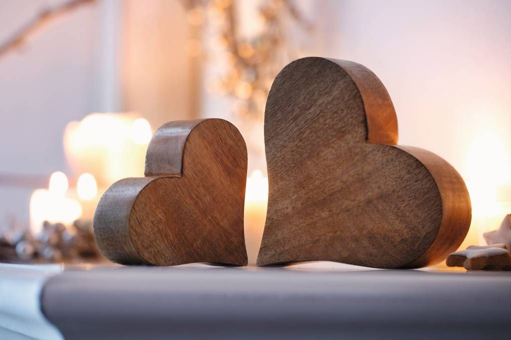 Holzherzen together 2er set deko ideen valentinstag for Holzherzen deko