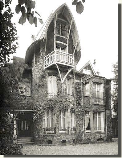 villa hemsy 1913 3 rue de crillon saint cloud 92210 architecte hector guimard paris. Black Bedroom Furniture Sets. Home Design Ideas
