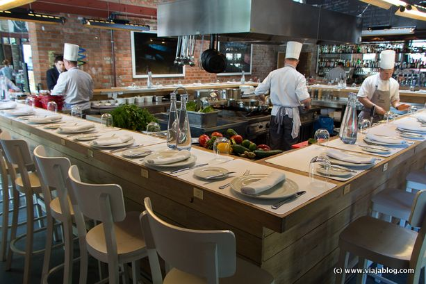 Otra de las cocinas del restaurante warszawa wschodnia en varsovia arquitectura pinterest - Cocinas de restaurantes ...