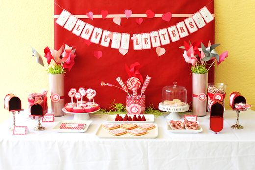 Valentine's Display table