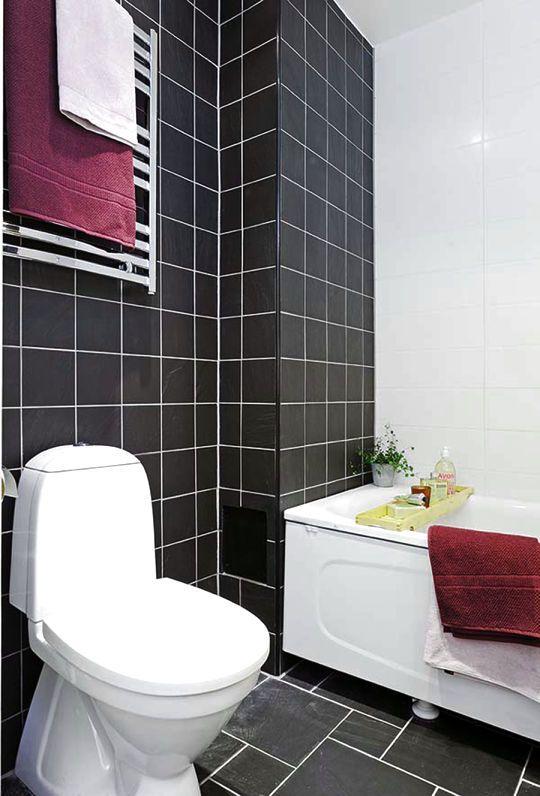 PURPLE AND WHITE BATHROOM IDEAS - http://www.homedesignstyler.com/photos/bathroom/purple-and-white-bathroom-ideas.html