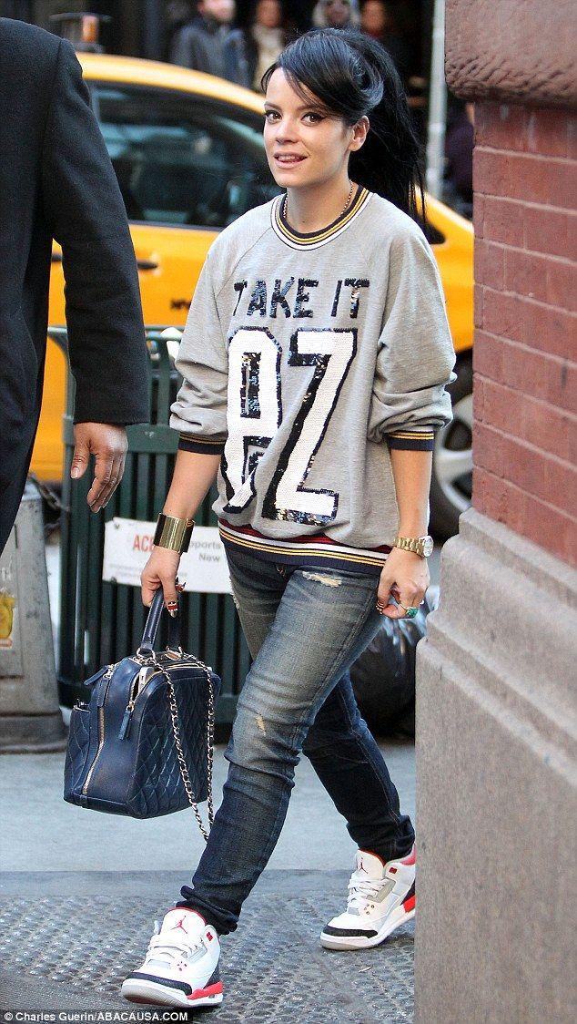 Take it EZ  Lily Allen wears sequined slogan sweatshirt  3b1e9dad9370