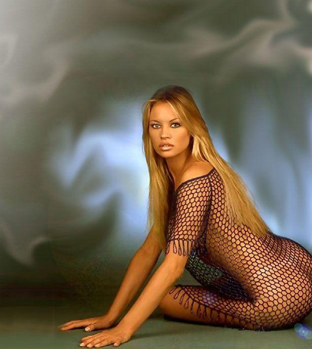 Anna falchi актриса голая хочет