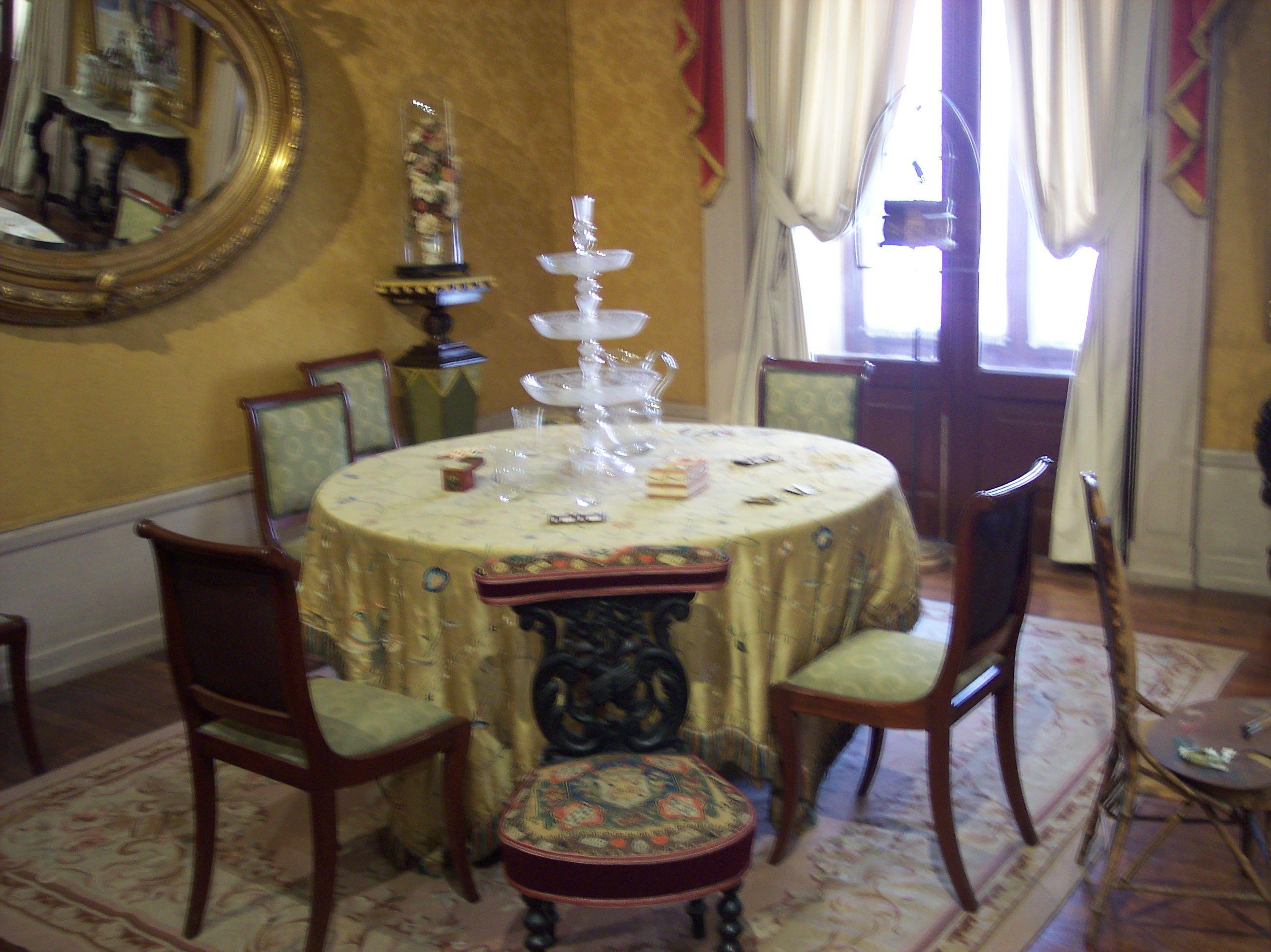 Comedor De La Residencia De Don Benito Ju Rez En Palacio Nacional  # Muebles Historicos