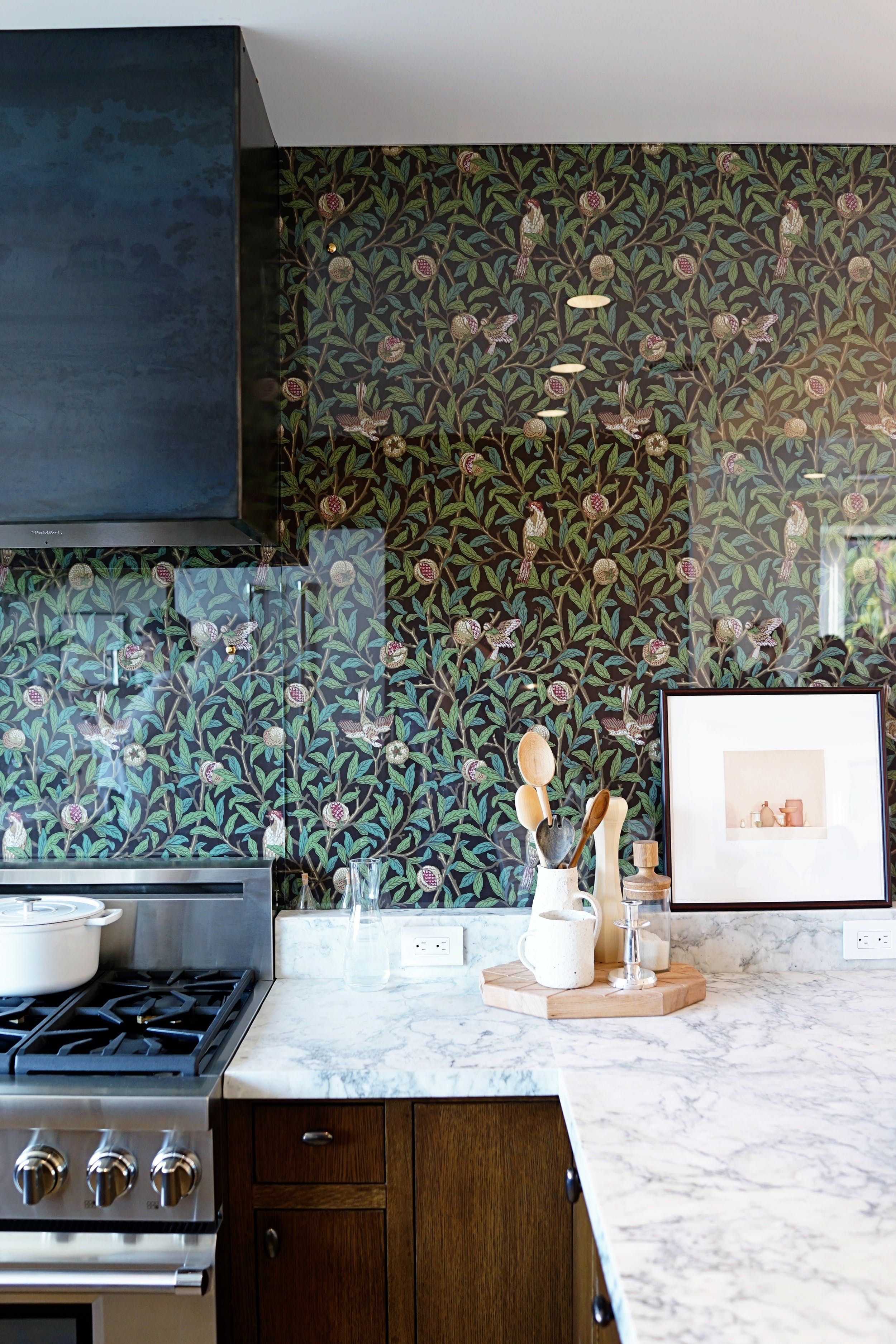 Out Of The Ordinary Backsplash Materials That Ll Make You Look Twice Backsplash Wallpaper Kitchen Wallpaper Glass Backsplash