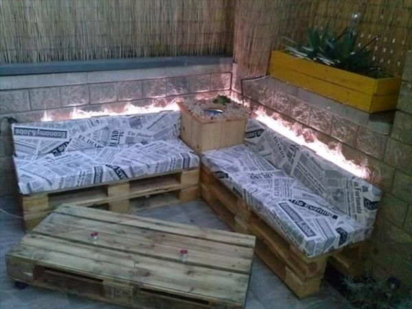 DIY Pallet Sofa and Table with Lights | 99 Pallets