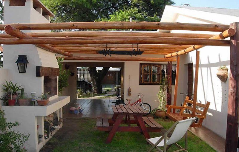 Pergolas rusticas palo redondo buscar con google - Terrazas de madera rusticas ...