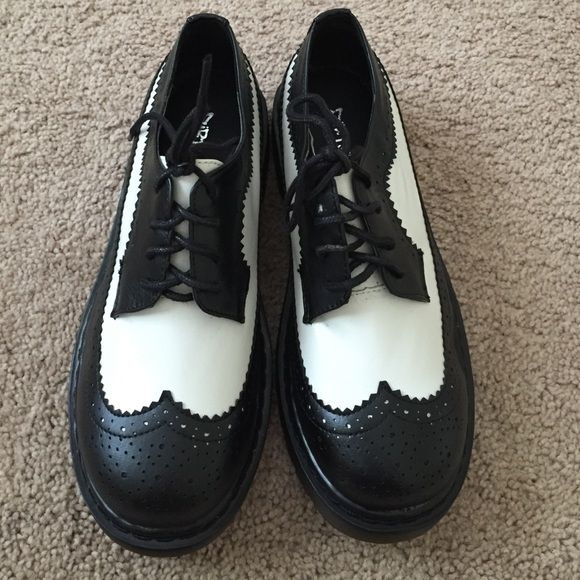 Brand New 7.5 Black and White Shoes Brand New 7.5 Dirty Laundry Black and White Shoes Dirty Laundry Shoes
