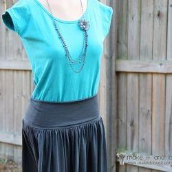 An easy summer skirt with a comfy, stretchy yoga waistband. (: