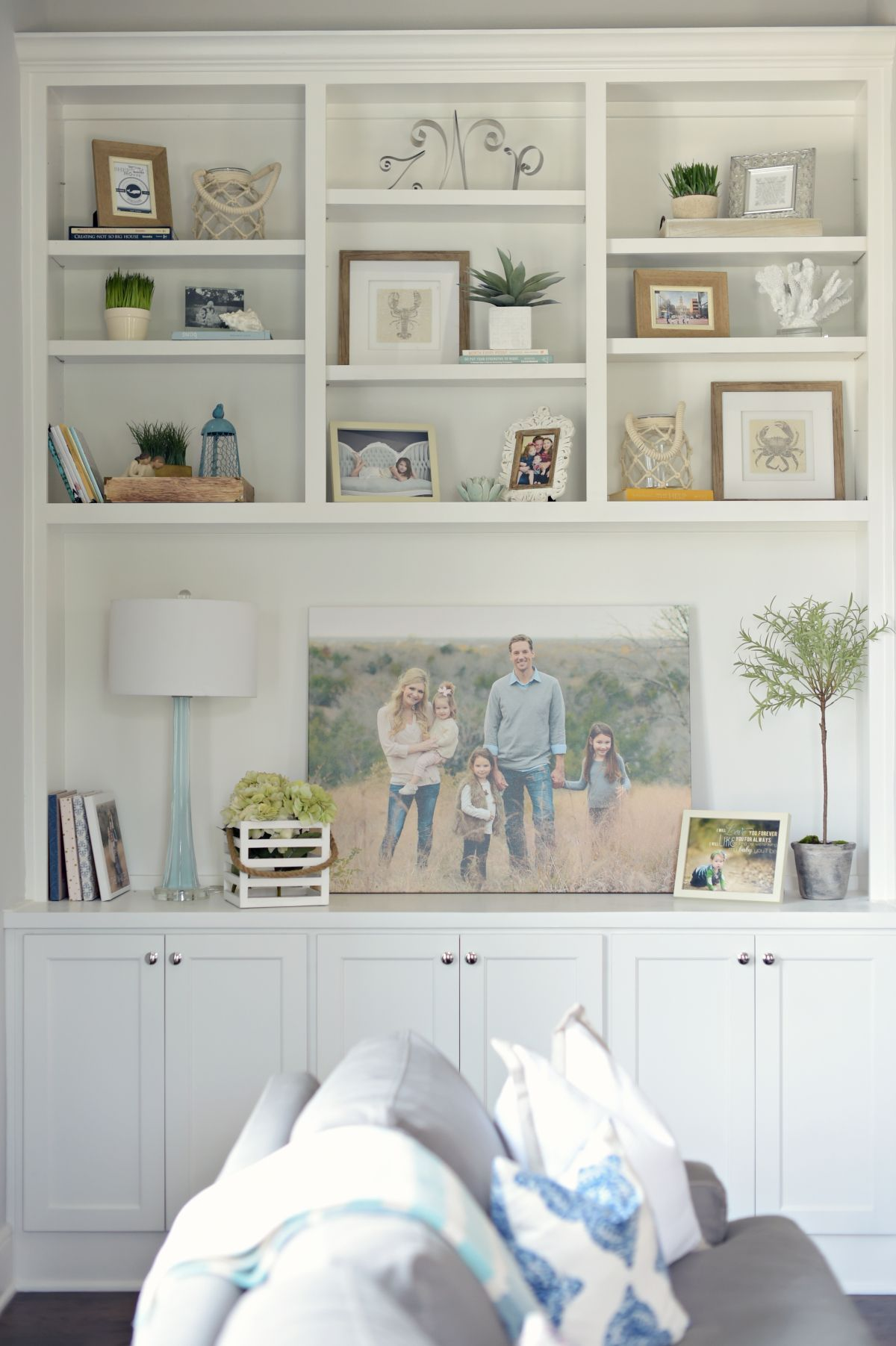 Pin By Kirsten Rappa On Living Room In 2020 With Images Family