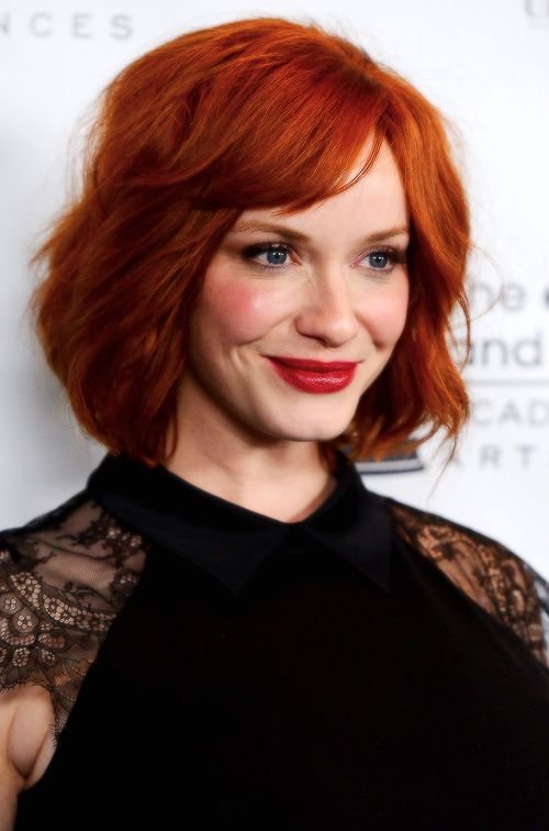Christina Hendricks Ginger Hair Color Short Hair Styles Blonde Hair Red Lipstick