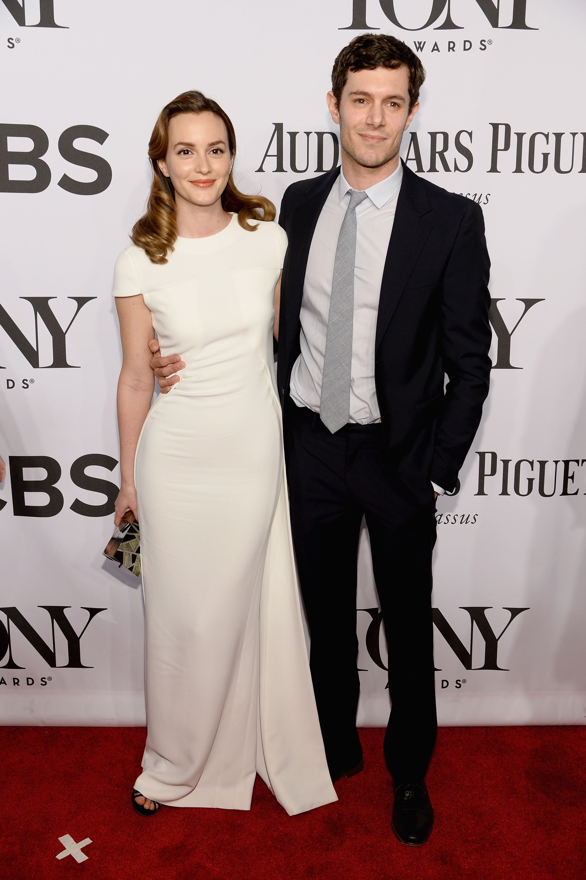Leighton And Adam Make Their Red Carpet Debut As A Married Couple Celebrity Dresses Nice Dresses Leighton Meester