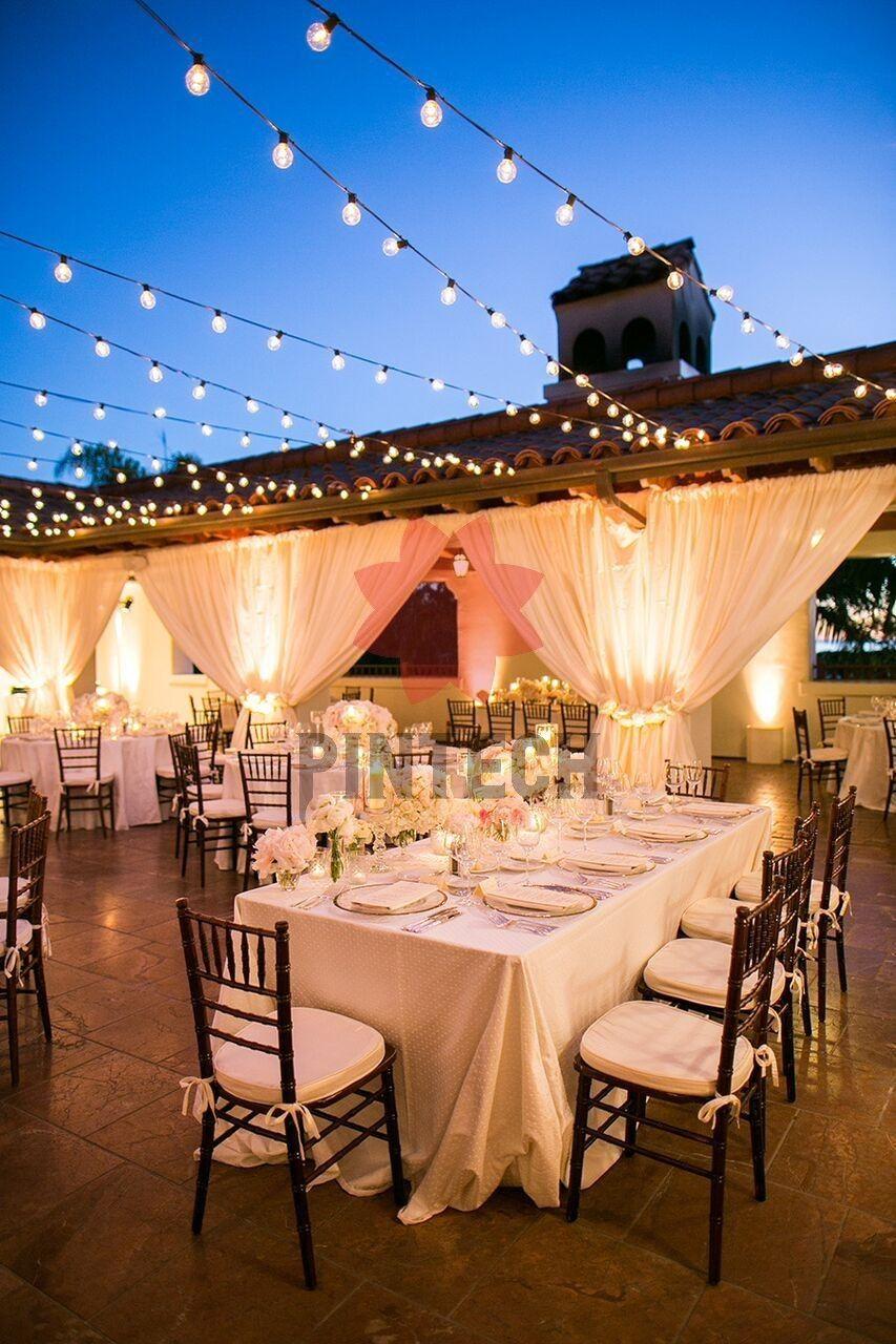 Dreamy White And Blush California Wedding At Bacara Resort Modwedding Feat En 2020 Iluminacion De Boda Decoraciones Banquete De Boda Recepcion De Bodas Al Aire Libre