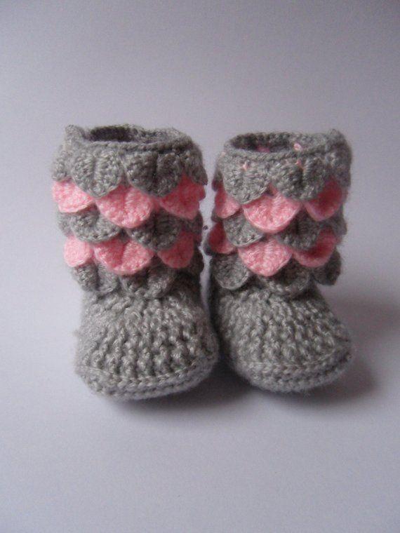 f48bc51addc80 Crocodile Stitch Baby Booties/ Crochet Baby boots Crocodile Stitch ...