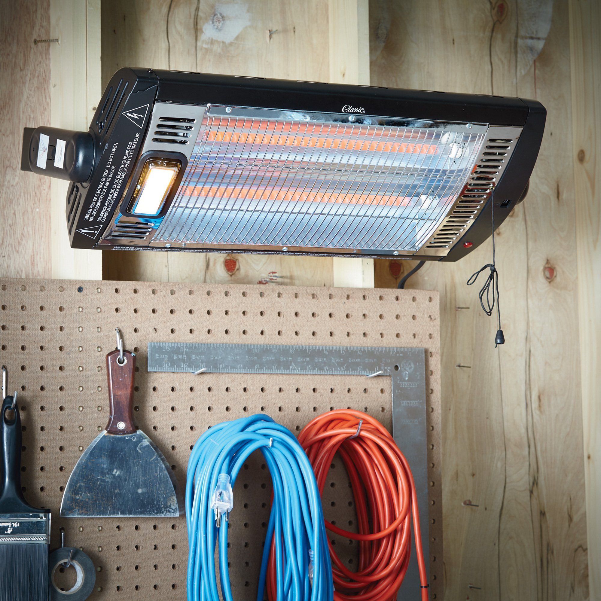 Ceilingmounted and garage heater with halogen