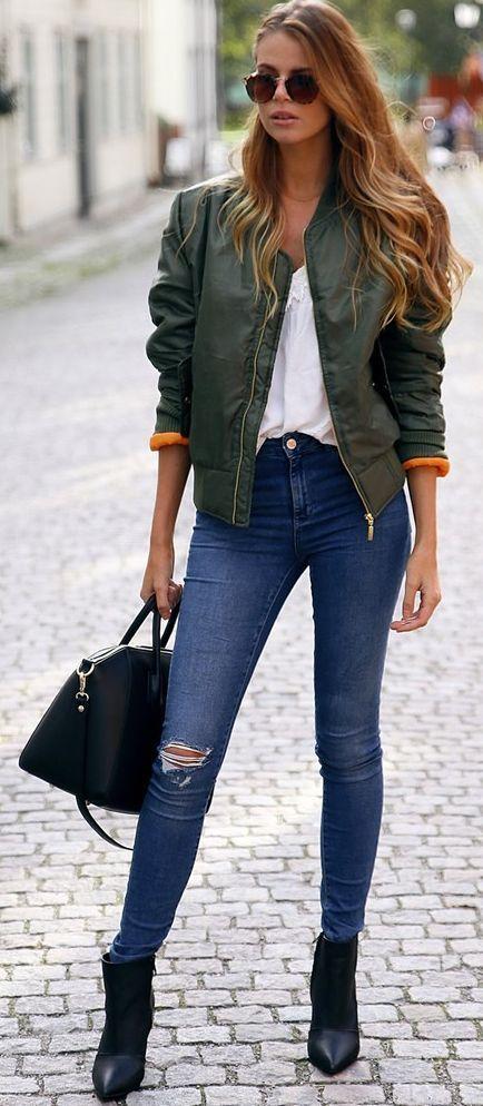Josefin Ekstrom Green Bomber Jacket Fall Streetstyle Inspo | Fashion Inspiration | Pinterest ...