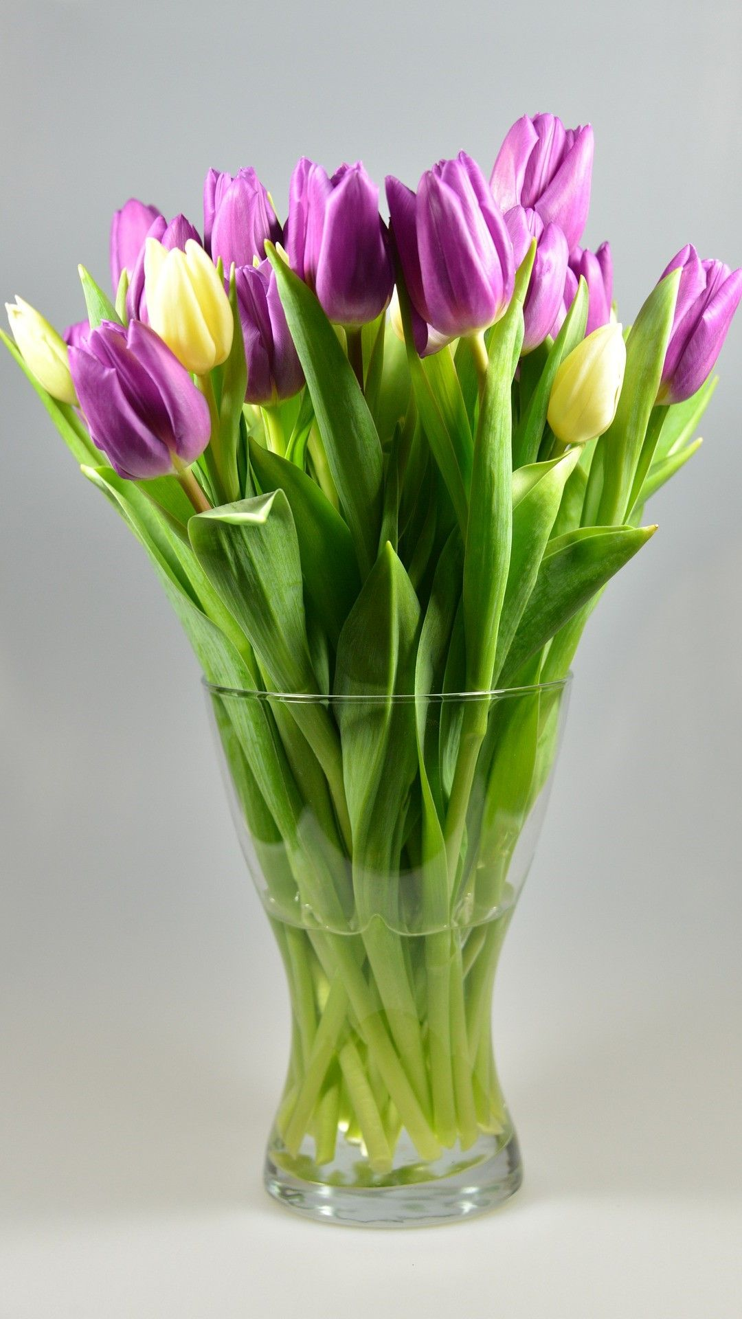 15 Flower Delivery Near Me Options Flower vases