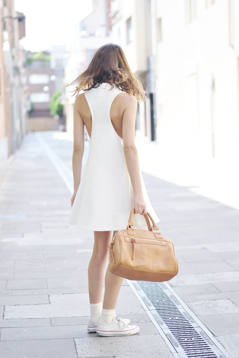White Dress & Ray Ban | Dansvogue.com