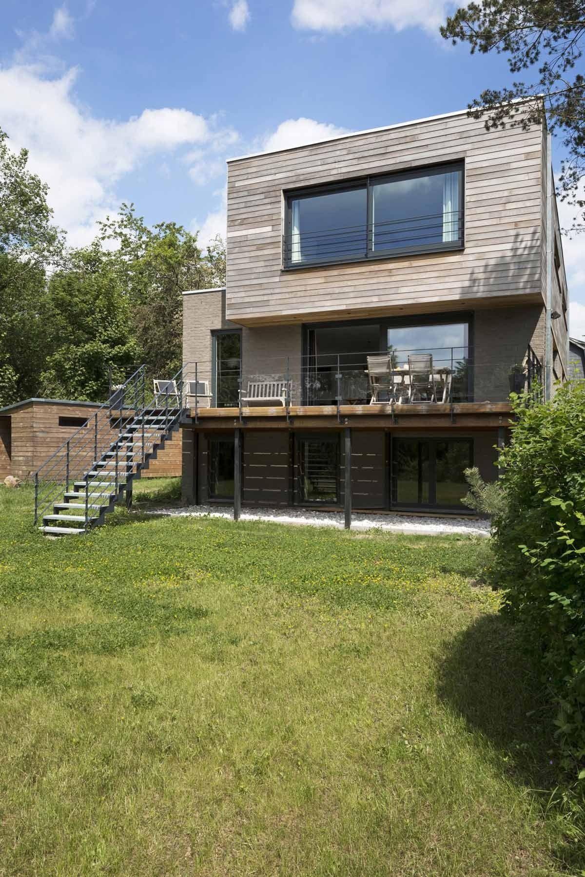 Maison bois dans un écrin de verdure par le bureau Open Architectes ...