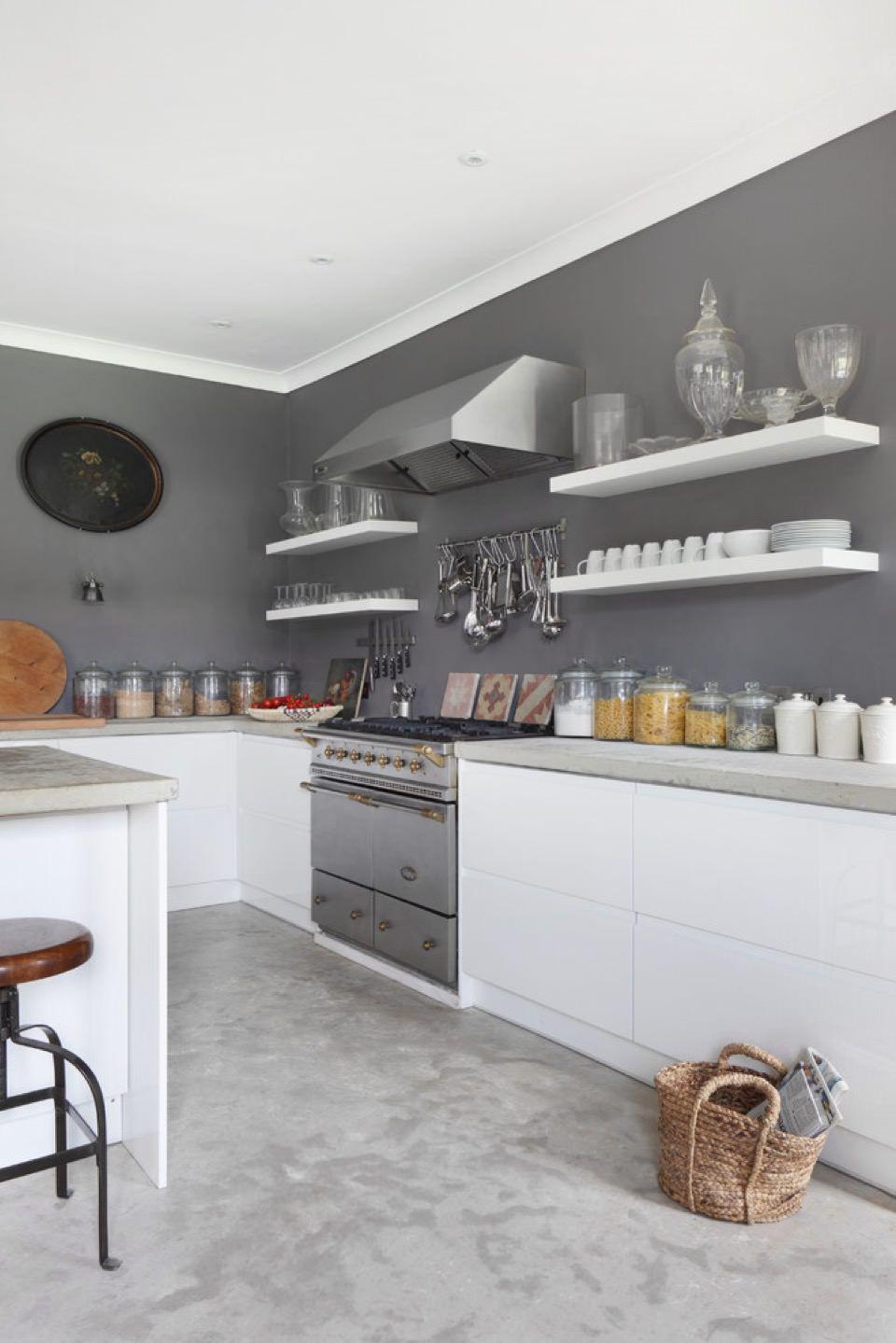 Rivestimenti cucina guida alla scelta dei migliori materiali cucine cucina grigia for Piastrelle cucina colorate