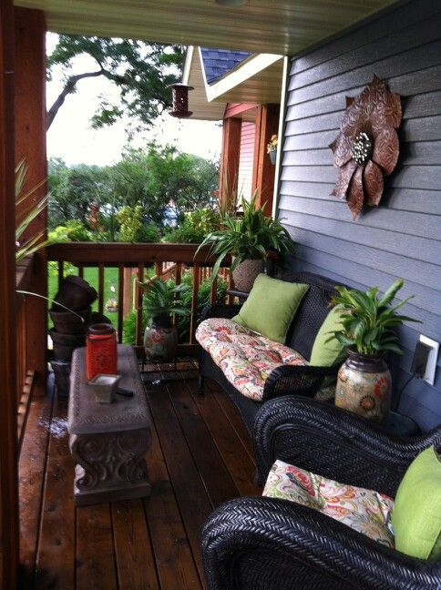 Small front porch Summer Decorating ideas