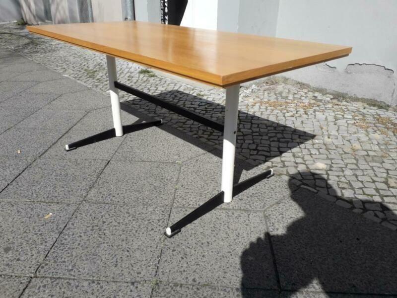 Originaler Ddr Couchtisch Aus Den 60ern Mit Schwarz Weissem Untergestell Aus Metall Mit Holztischplatte Masse 1 20 M Lang Holztischplatte Couchtisch Tisch