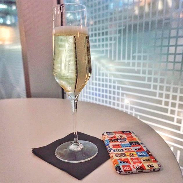 Cheers! Celebrate the adventures you had through airports around the globe during this past year.   Thanks for the shot @benjaminjtravel -- http://ift.tt/2iiKj7Q