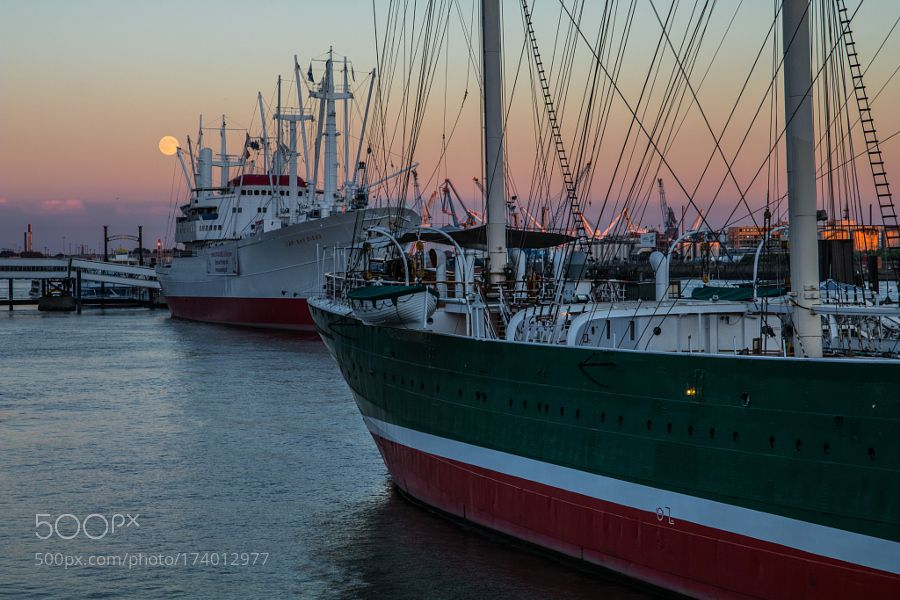 Hamburg - Harbour Sunset by bartke77 #architecture #building #architexture #city #buildings #skyscraper #urban #design #minimal #cities #town #street #art #arts #architecturelovers #abstract #photooftheday #amazing #picoftheday