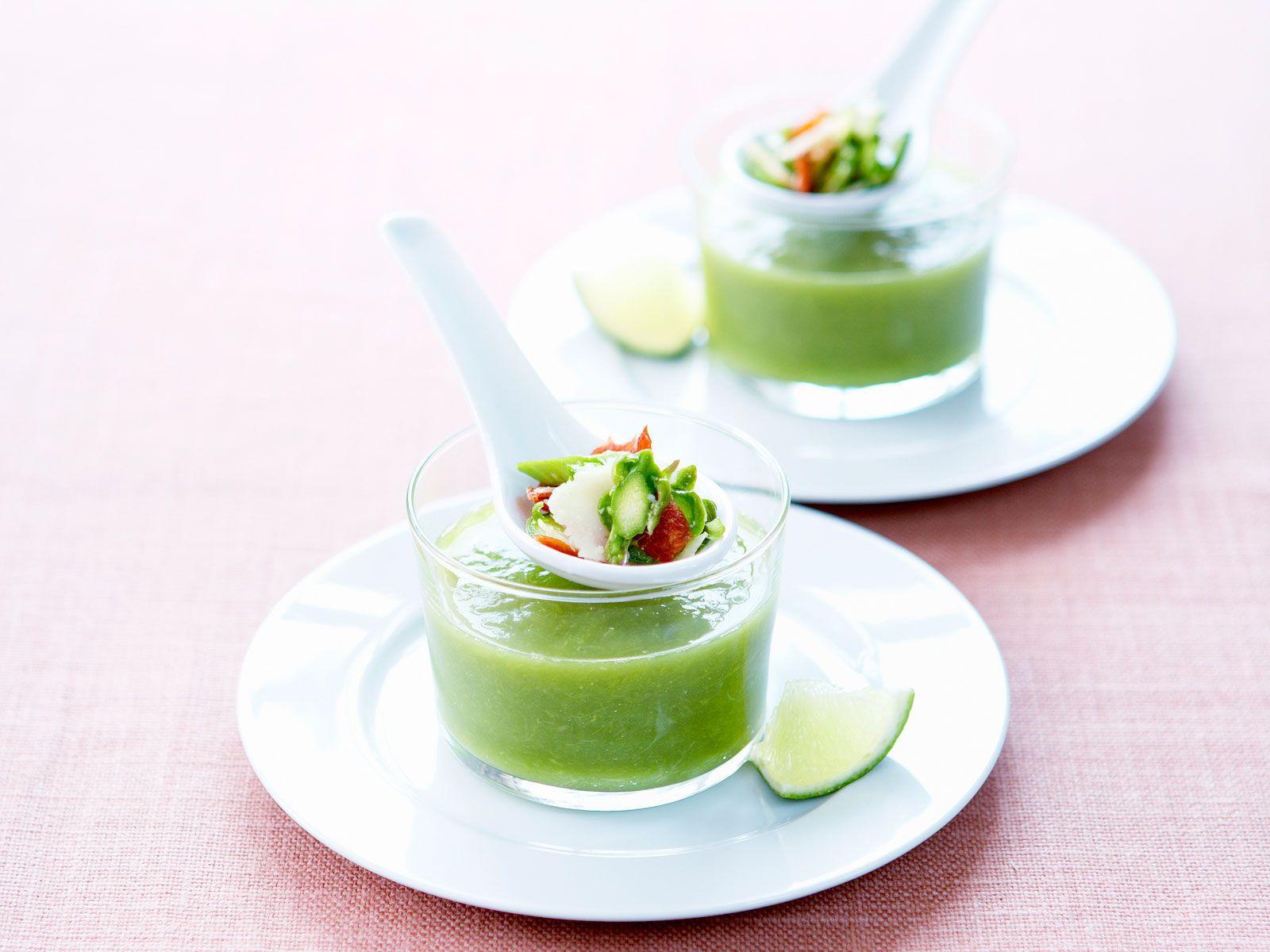 Découvrez la recette Soupe froide d'asperges sur cuisineactuelle.fr.