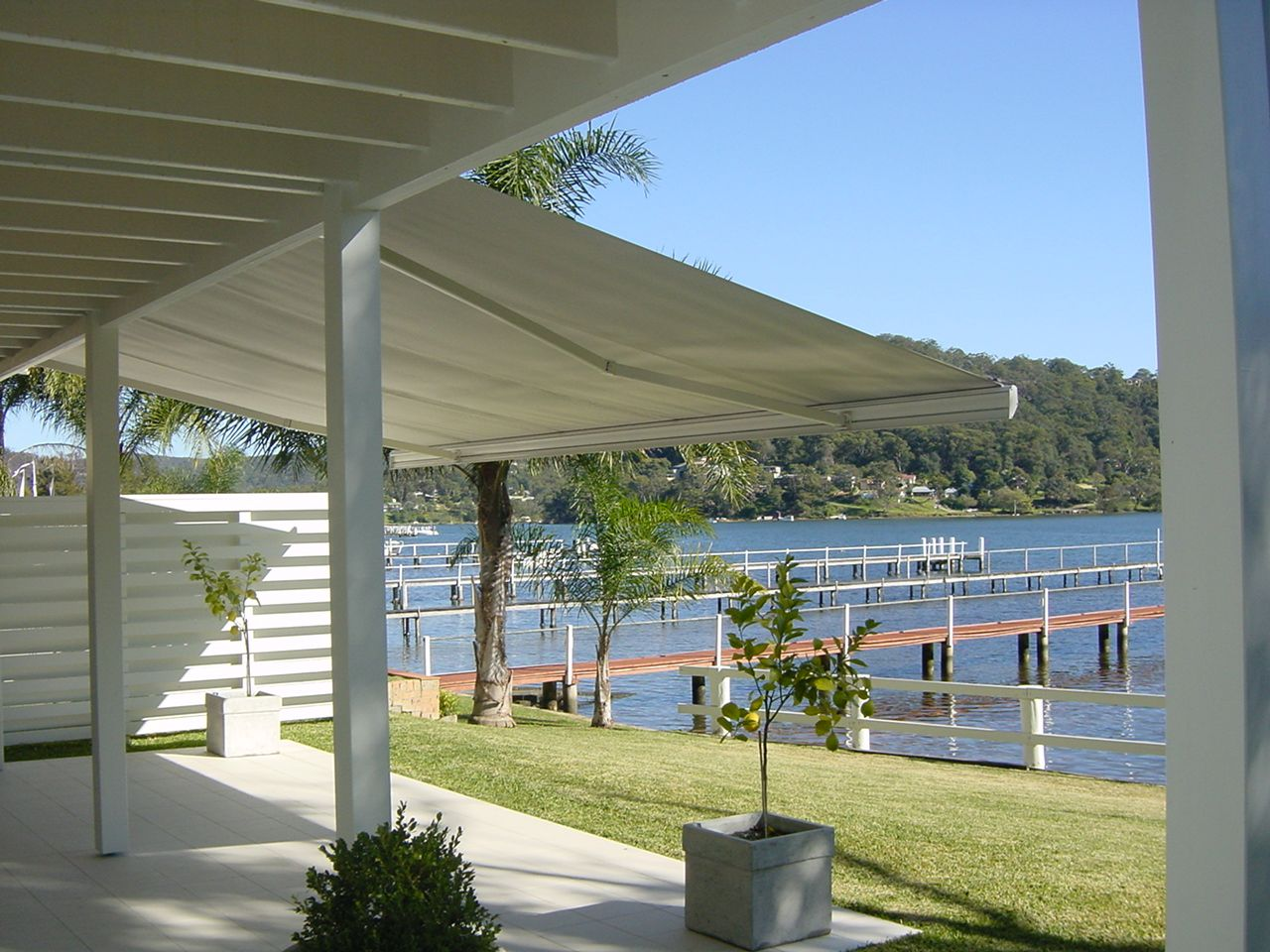Laguna Folding Arm Awning