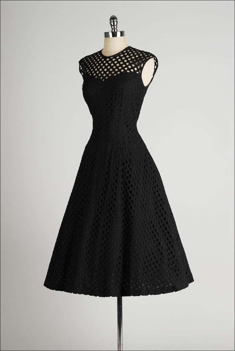 Vintage us dorothy hubbs embroidered diamond illusion dress