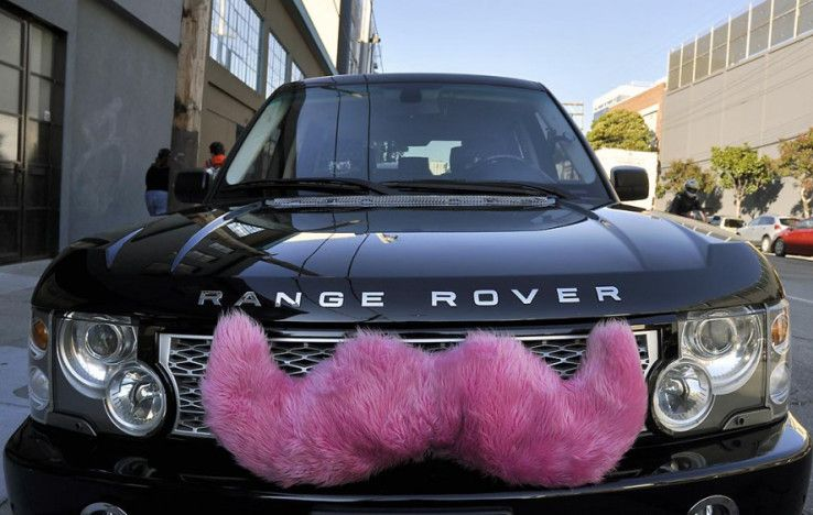 Lyft Sheds Some Of Its Quirks As It Seeks New Users Lyft Driver Rideshare Lyft